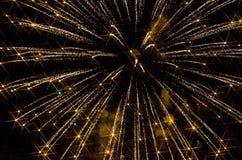 Fuegos artificiales amarillos Foto de archivo libre de regalías
