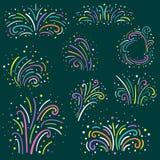 Fuegos artificiales coloridos fijados Día de fiesta y colección de los iconos del fuego artificial del partido Ilustración del ve Fotos de archivo