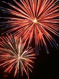 Fuegos artificiales con los rastros largos Imagen de archivo libre de regalías