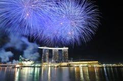 Fuegos artificiales - día nacional 2010 de Singapur Imágenes de archivo libres de regalías
