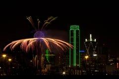 Fuegos artificiales - Dallas Tejas imagenes de archivo