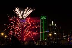 Fuegos artificiales - Dallas Tejas Fotos de archivo libres de regalías
