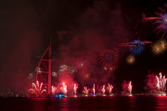 Fuegos artificiales de Dubai para el día nacional Imagen de archivo