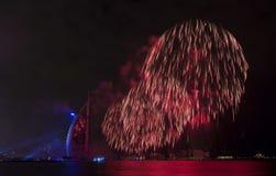 Fuegos artificiales de Dubai para el día nacional Foto de archivo libre de regalías