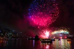 Fuegos artificiales de Eve 2015 de Sydney New Year Fotografía de archivo libre de regalías