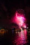 Fuegos artificiales de Eve 2015 de Sydney New Year Imagen de archivo libre de regalías