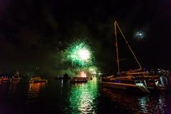 Fuegos artificiales de Eve 2015 de Sydney New Year Foto de archivo libre de regalías