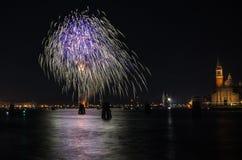 Fuegos artificiales de la celebración del Año Nuevo Imagenes de archivo