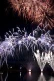 Fuegos artificiales de la noche Foto de archivo libre de regalías