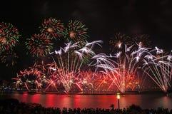 Fuegos artificiales de la noche Imagenes de archivo