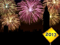 Fuegos artificiales de Londres de la Feliz Año Nuevo Foto de archivo libre de regalías