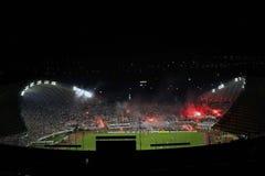 Fuegos artificiales de los fanáticos del fútbol de Torcida Imagenes de archivo