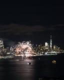 Fuegos artificiales de Nueva York Imágenes de archivo libres de regalías