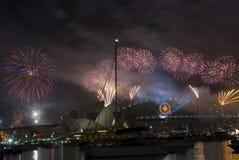 Fuegos artificiales de NYE Sydney Fotos de archivo libres de regalías
