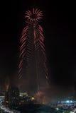 Fuegos artificiales del Año Nuevo de Dubai Imágenes de archivo libres de regalías