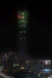 Fuegos artificiales del Año Nuevo de Dubai Fotografía de archivo