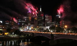 Fuegos artificiales del Año Nuevo de Melbourne Imagenes de archivo