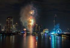 Fuegos artificiales del Año Nuevo en Bangkok, Tailandia Foto de archivo