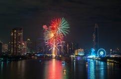 Fuegos artificiales del Año Nuevo en Bangkok, Tailandia Imagen de archivo libre de regalías