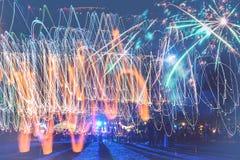 Fuegos artificiales del Año Nuevo en la playa Fotos de archivo libres de regalías
