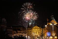 Fuegos artificiales del Año Nuevo en Oporto, Portugal Foto de archivo libre de regalías
