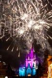 Fuegos artificiales del castillo de Disney Fotos de archivo libres de regalías