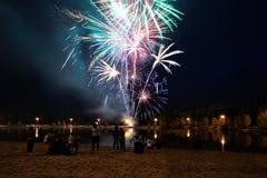 Fuegos artificiales del día de fiesta Fotografía de archivo