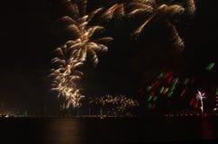 Fuegos artificiales del día nacional de Qatar en Doha Imagenes de archivo
