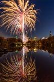 2016 fuegos artificiales del maratón, lago New York City central Park Foto de archivo libre de regalías