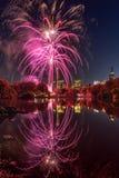 2016 fuegos artificiales del maratón, lago New York City central Park Fotografía de archivo libre de regalías