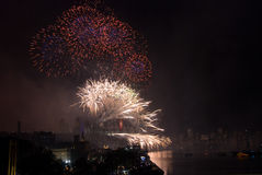 Fuegos artificiales del puente de puerto de Sydney NYE Imagen de archivo libre de regalías