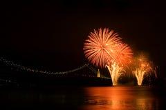 Fuegos artificiales del río Imagen de archivo libre de regalías
