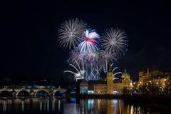 Fuegos artificiales 2018 del ` s del Año Nuevo de Praga Fotografía de archivo