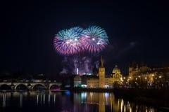 Fuegos artificiales 2018 del ` s del Año Nuevo de Praga Imagen de archivo