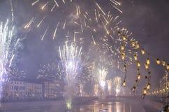 Fuegos artificiales del ` s del Año Nuevo en Italia Imágenes de archivo libres de regalías