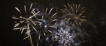 Fuegos artificiales del ` s del Año Nuevo en LuleÃ¥ Foto de archivo libre de regalías