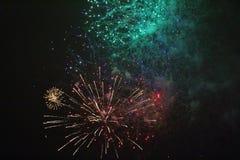 Fuegos artificiales del ` s del Año Nuevo en LuleÃ¥ Imágenes de archivo libres de regalías