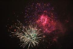 Fuegos artificiales del ` s del Año Nuevo en LuleÃ¥ Imagenes de archivo