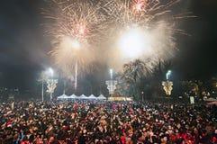 Fuegos artificiales del ` s del Año Nuevo en Belgrado Fotos de archivo libres de regalías