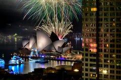 Fuegos artificiales del ` s Eve del Año Nuevo, Sydney, Australia Foto de archivo libre de regalías