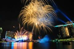 Fuegos artificiales durante la apertura 2010 de los Juegos Olímpicos de la juventud Fotografía de archivo