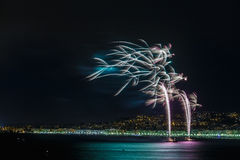 Fuegos artificiales el día celebraciones el 14 de julio en Niza Imagenes de archivo