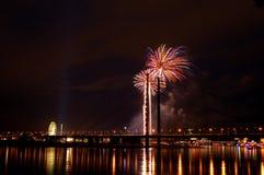 Fuegos artificiales en Düsseldorf Imágenes de archivo libres de regalías