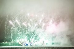 Fuegos artificiales en el Año Nuevo Fotos de archivo