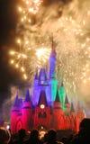Fuegos artificiales en el castillo de Disney Cinderella Fotografía de archivo