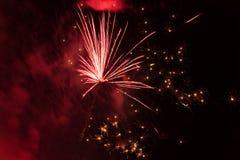Fuegos artificiales en el cielo fotografía de archivo