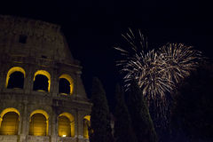 Fuegos artificiales en el colosseum Fotografía de archivo libre de regalías