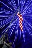 Fuegos artificiales en el monumento de Iwo Jima Imagen de archivo libre de regalías
