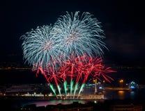 Fuegos artificiales en el puerto de Messina Imagenes de archivo