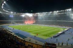 Fuegos artificiales en la arena del fútbol en Kiev Imagen de archivo